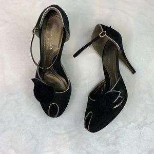 Via Spiga Fancy Black Suede Ankle Strap Heels Sz 8